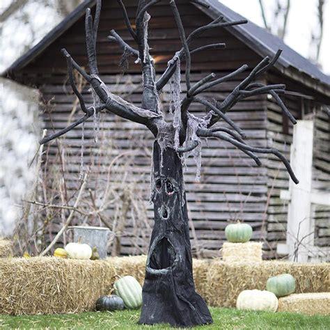 outdoor tree decorations 24 indoor outdoor tree halloween decorations ideas