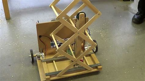student robotics thunderbots scissor lift prototype with pulley system v01 youtube