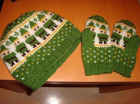 knitting pattern for zelda link hat and mittens and cable scarf knitting