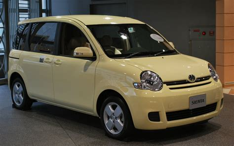 Go Toyota Toyota Sienta Picture 1 Reviews News Specs Buy Car