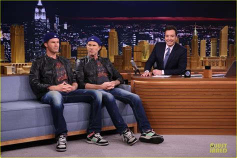 red hot chili peppers chad smith will ferrell red hot chili peppers chad smith battle in