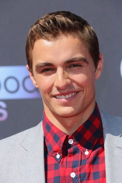 dave franco height weight biceps body statistics