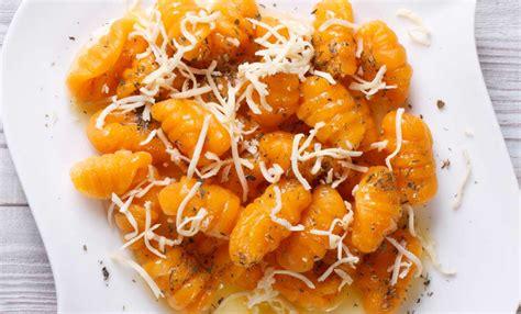 gnocchi fatti in casa gnocchi fatti in casa alla zucca la ricetta senza patate