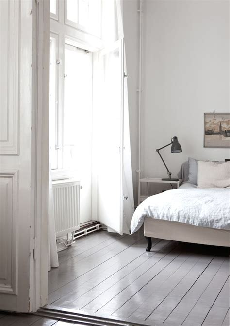 painted bedroom floors best 25 painted floors ideas on pinterest painted wood