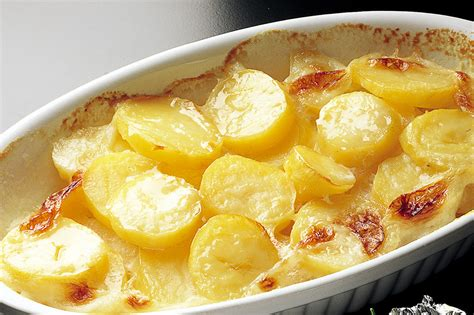 patate in cucina ricetta patate in forno alla crema la cucina italiana
