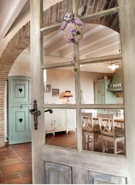 casa stile provenzale in stile provenzale guarda e sogna ad occhi aperti