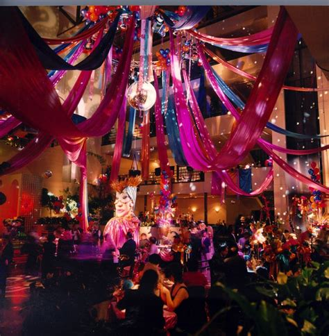decorations christmas carnivals cirque du soleil party ideas google search carnival