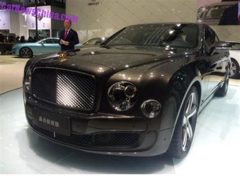 gold bentley mulsanne bentley mulsanne mulliner 24k gold edition launched in