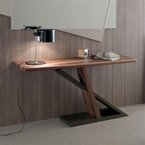 console in legno consolle dal design moderno con base laccata bronzo