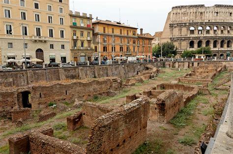 gladiator film locations italy file ludus magnus rome 2006 jpg wikipedia