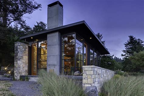 Mid Century Modern Ranch House modern metal frame house house modern
