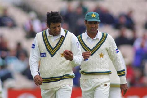 wasim akram swing bowling rubbing it the wrong way the most famous ball tering