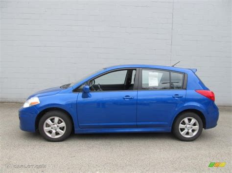 blue nissan versa 2009 blue metallic nissan versa 1 8 sl hatchback 63038469