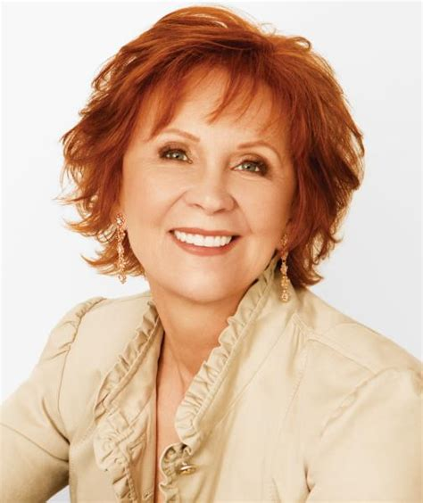 the pursuit a fox and o hare novel janet evanovich goldberg sign the pursuit a fox and
