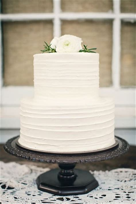 Hochzeitstorte Einfach 40 and simple white wedding cakes ideas page 3
