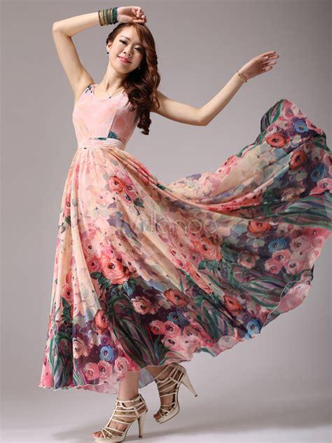Nisa Moda Pink By U Shop maxi vestido de gasa con escote en u y estado floral