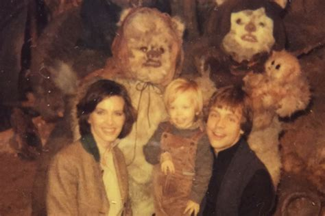 luke skywalker shows  family photo album  return