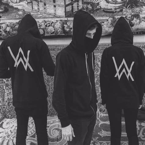 Hoodie Alan Walker Vs Marshmello Must alan walker on quot madrid tonight faded