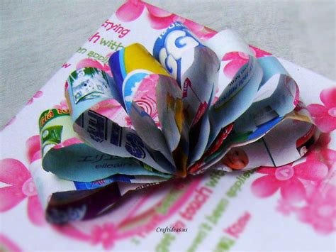 Paper Craft Ideas - recycling paper paper flower bow craft ideas