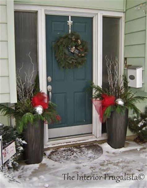 17 best ideas about christmas urns on pinterest outdoor