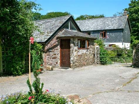 willow cottage whitstone bude cornwall self