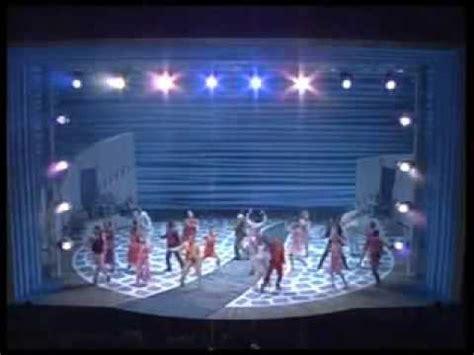 stage lifts: mamma mia toronto stage lift (handling