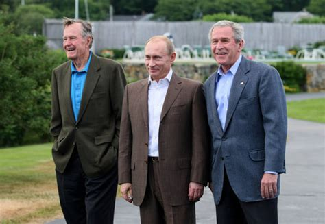 White House Tours Obama by President George W Bush Stands With Russian President