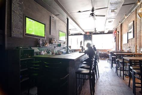 top sports bars nyc top five sports bars new york visitor s guide new