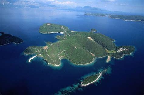 la isla y los 842330681x el renacer de skorpios gente y famosos el pa 205 s