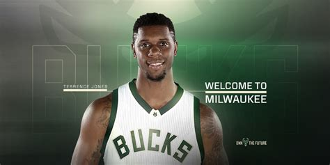 terrence jones bucks sign terrence jones milwaukee bucks
