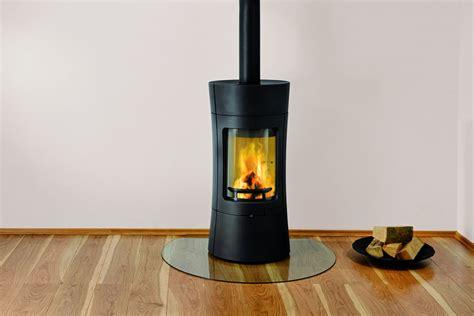 poele a bois design pas cher poil a bois en fonte energies naturels