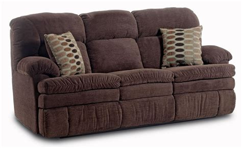 homestretch  casual double reclining sofa   accent pillows johnny janosik reclining