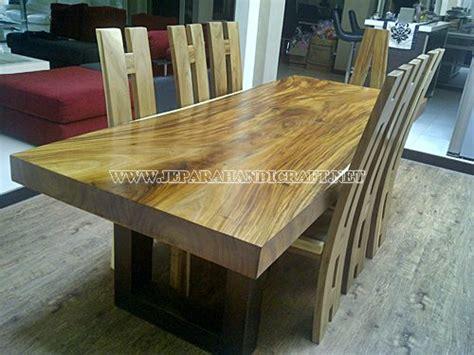 Meja Makan Solid Wood meja solid wood trembesi 8 kursi meja solid wood