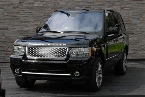 black land rover with black land rover celebrates 40th anniversary with range rover