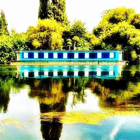 houseboat colour 17 best images about house boats on pinterest boats