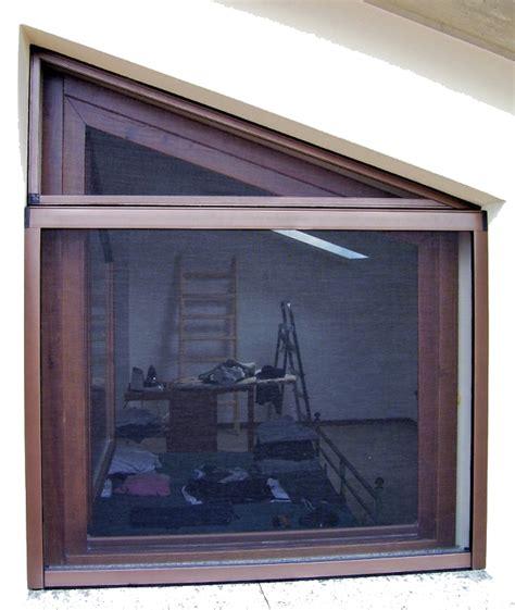 tipi di zanzariere per porte finestre zanzariere a pannelli fissi