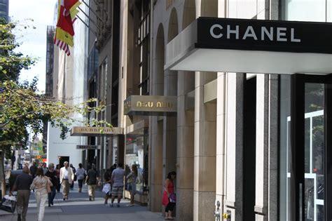 Shopping in New York 1.0.1   Luxury ? Ready 2 ? Wear