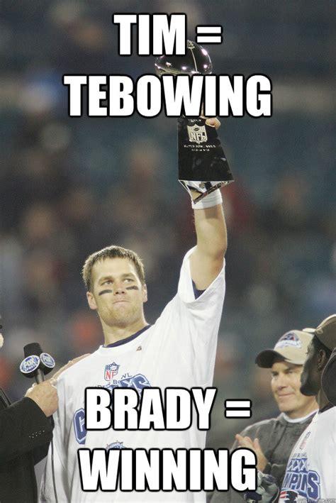 Tebowing Meme - eli manning 2 superbowl rings tom brady 3 superbowl rings