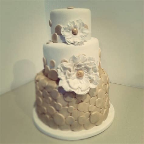 gold themed cake 9 best images about white and gold birthday theme on