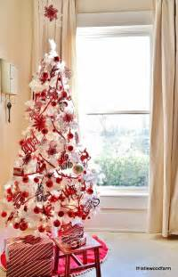 White christmas tree with red decorations images amp pictures becuo