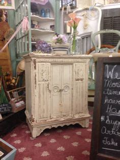 1000 images about shabby chic by susan on pinterest painted furniture for sale drum table