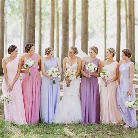 different color bridesmaid dresses 6 ways to do mismatched bridesmaid dresses wedding