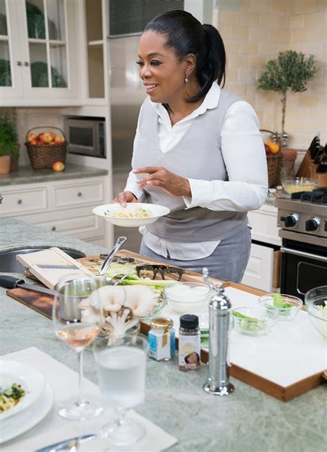 oprah reveals she s lost 40 pounds on weight watchers