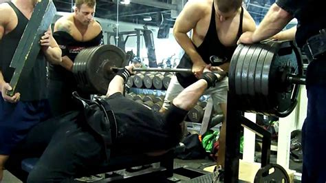 700 bench press 700 bd bench press joe smolinski using overkill shirt