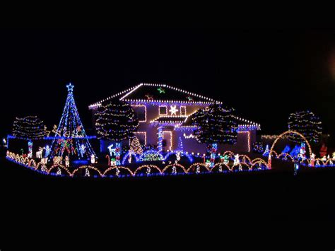 home survival skills put up your christmas lights now