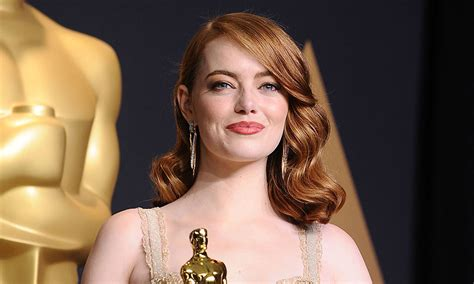 Emma Stone sends fan corsage after turning down his La La