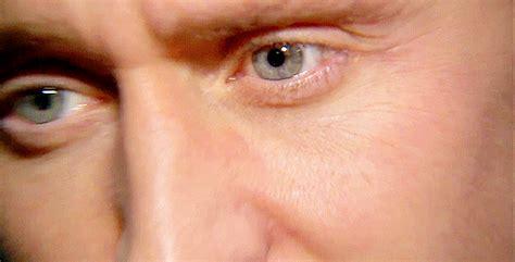 tom hiddleston eye color hiddleston daily