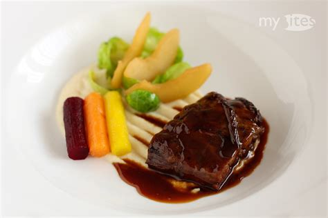 Bites 6m 50g Vegetables Flav braised knuckle with quince sauce autumn vegetables