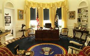 oval office redecoration trump reinstalls churchill bust obama removed
