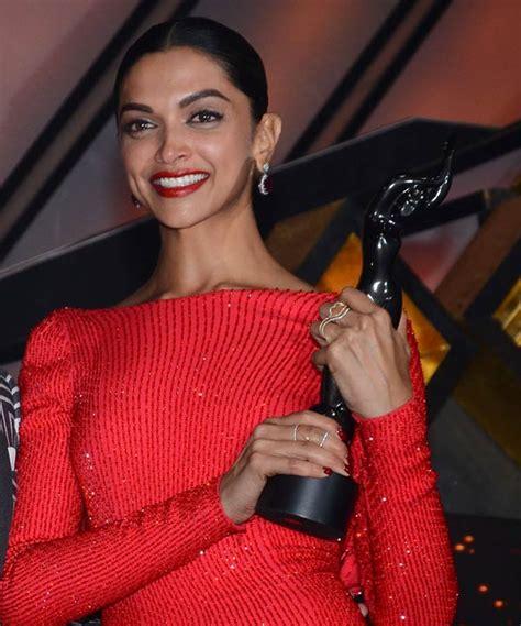 deepika padukone awards filmfare awards 2016 deepika padukone read out her father